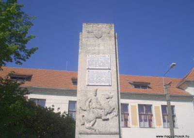 Füzesgyarmat világháborús emlékmű 2008.04.14.küldő- egy magyar anya (3)