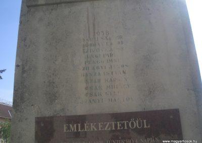 Füzesgyarmat világháborús emlékmű 2008.04.14.küldő- egy magyar anya (7)