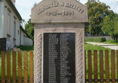 Farkaslaka II.vh emlékmű 2009.08.23.küldő-Ágca (1)