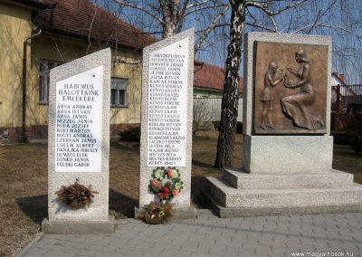 Farmos világháborús emlékmű 2011.03.11. küldő-kalyhas (2)