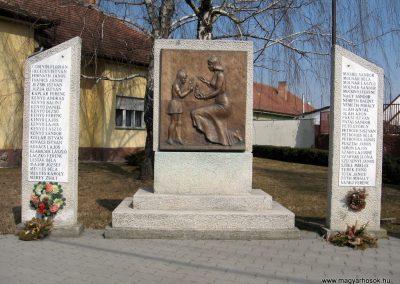 Farmos világháborús emlékmű 2011.03.11. küldő-kalyhas (4)
