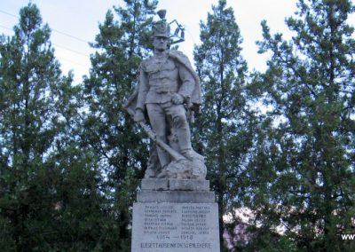 Fegyvernek I.vh emlékmű 2008.08.23. küldő-Kályhás (1)