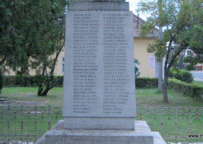 Fegyvernek I.vh emlékmű 2008.08.23. küldő-Kályhás (4)