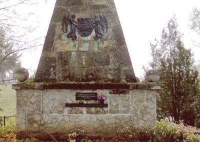 Fehérvárcsurgó I vh.emlékmű 2006.11.19. küldő-Krisztián József (1)