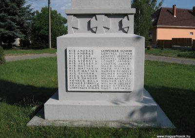 Feldebrő I.vh emlékmű 2007.06.11. küldő-kalyhas (4)