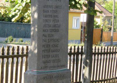 Felsőboldogfalva világháborús emlékmű 2011.09.22. küldő-Mónika39 (3)