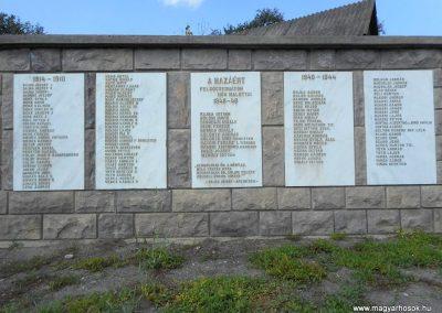 Felsőcsernáton világháborús emlékmű 2018.08.26. küldő-Fehér Mónika (1)
