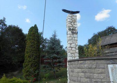 Felsőcsernáton világháborús emlékmű 2018.08.26. küldő-Fehér Mónika (7)