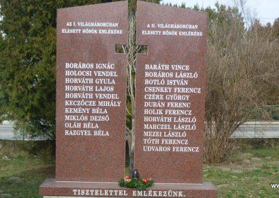Felsőjányok világháborús emlékmű 2010.03.02. küldő-Felvidéki betyár (1)