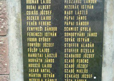 Felsőmocsolád világháborús emlékmű 2012.04.15. küldő-Sümec (10)