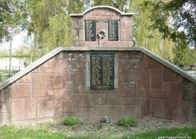 Felsőmocsolád világháborús emlékmű 2012.04.15. küldő-Sümec (2)