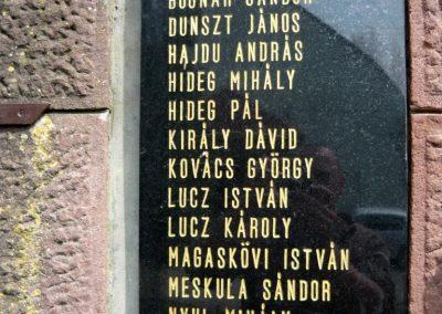 Felsőmocsolád világháborús emlékmű 2012.04.15. küldő-Sümec (7)