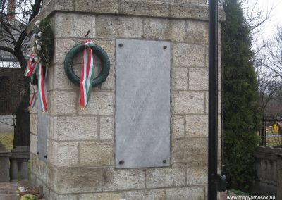 Felsőnyárád világháborús emlékmű 2008.03.02.küldő-Kályhás (1)