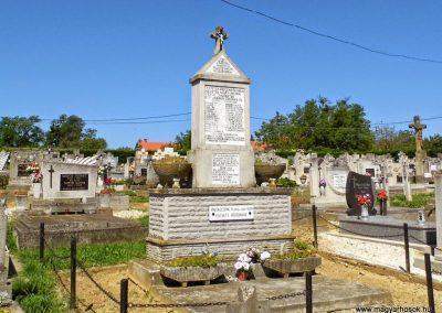 Felsőpáhok világháborús emlékmű 2014.06.09. küldő-Méri