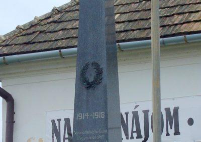 Felsőszecse I.vh emlékmű 2008.12.05. küldő-Pfaff László, Rétság (1)