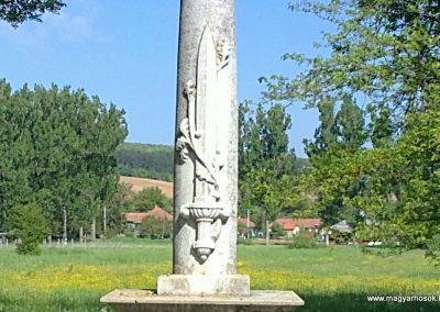 Felsővadász világháborús emlékmű 2013.05.08. küldő-Pataki Tamás (2)