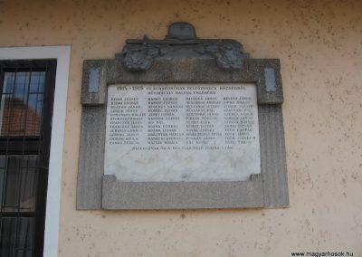 Felsőzsolca I.vh emléktábla 2009.03.21.küldő-kalyhas (1)