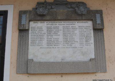 Felsőzsolca I.vh emléktábla 2009.03.21.küldő-kalyhas (2)