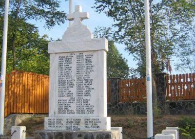 Fenyéd világháborús emlékmű 2011.09.20. küldő-Mónika39 (1)
