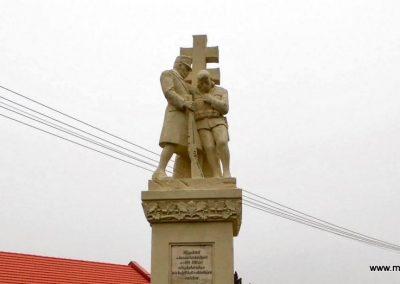 Fertőd világháborús emlékmű 2013.12.17. küldő-Méri (1)