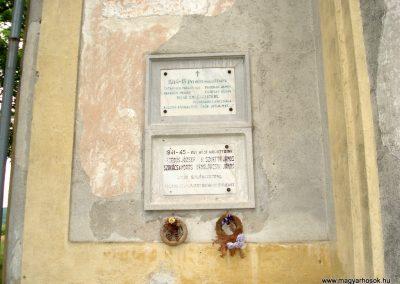 Filkeháza világháborús emléktáblák 2011.08.09. küldő-megtorló (2)