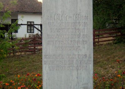 Firtosmartonos világháborús emlékmű 2011.09.20. küldő-Mónika39