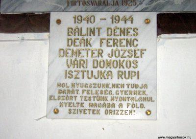 Firtosváralja világháborús emléktáblák 2011.09.20. küldő-Mónika39 (2)