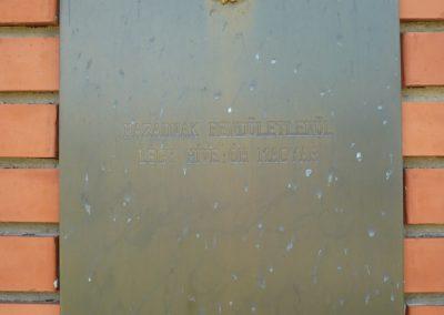 Fityeház világháborús emlékmű 2009.05.23.küldő-Sümec (4)