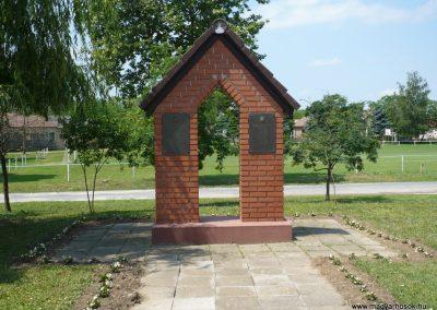 Fityeház világháborús emlékmű 2009.05.23.küldő-Sümec