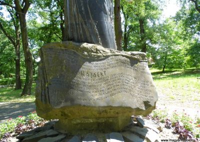 Fonyód. I. és II. világháborús emlékmű.