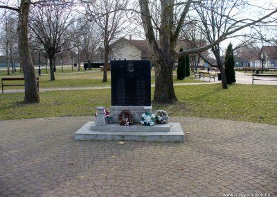 Forráskút II. világháborús emlékmű 2011.03.15. küldő-HunMi