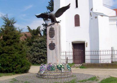 Gáborján II.vh emlékmű 2010.05.01. küldő-TÜNCI