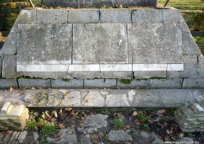 Gádoros I. világháborús emlékmű 2014.11.20. küldő-Sümec (3)