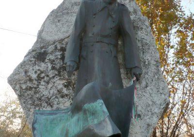 Gádoros II. világháborús emlékmű 2014.11.20. küldő-Sümec (2)