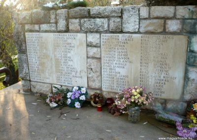 Gádoros II. világháborús emlékmű 2014.11.20. küldő-Sümec (4)
