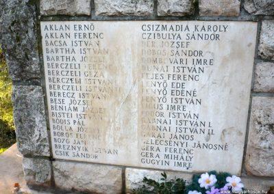 Gádoros II. világháborús emlékmű 2014.11.20. küldő-Sümec (5)