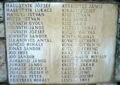 Gádoros II. világháborús emlékmű 2014.11.20. küldő-Sümec (6)