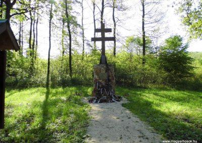 Gánt-Vérteskozma II. világháborús emlékmű 2014.04.27. küldő-Méri (11)