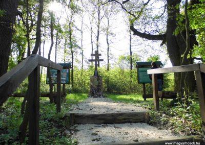 Gánt-Vérteskozma II. világháborús emlékmű 2014.04.27. küldő-Méri (4)