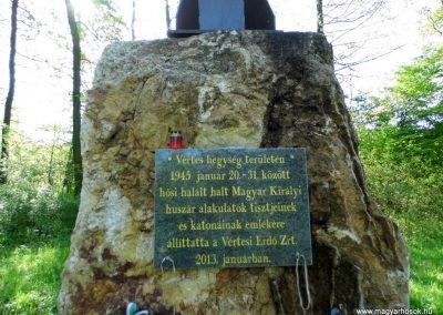 Gánt-Vérteskozma II. világháborús emlékmű 2014.04.27. küldő-Méri (9)