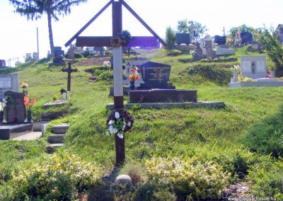 Gánt, temető. II. világháborús emlékmű