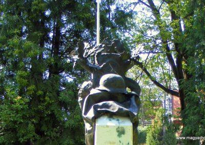 Gánt világháborús emlékmű 2012.06.17. küldő-Méri (5)