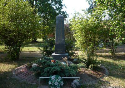 Gátér II.vh emlékmű 2009.07.27.küldő-Sümec (4)