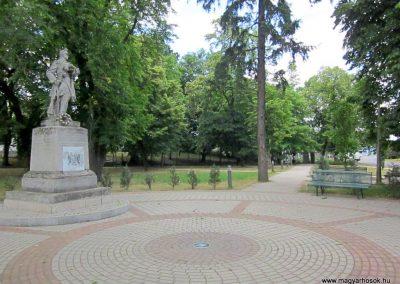Gávavencsellő - Gáva I. és II. világháborús emlékmű 2014.06.23. küldő-kalyhas