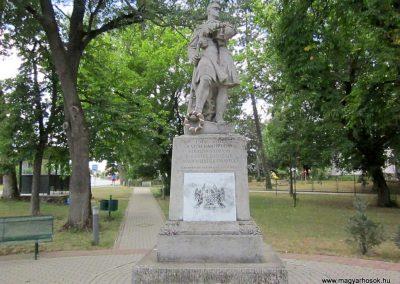 Gávavencsellő - Gáva I. világháborús emlékmű 2014.06.23. küldő-kalyhas (1)