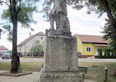Gávavencsellő - Gáva I. világháborús emlékmű 2014.06.23. küldő-kalyhas (4)
