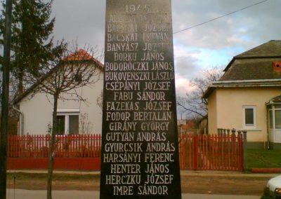 Gégény emlékmű csoport 2007.01.07. küldő-Ágca (3)