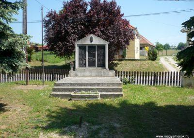 Gétye világháborús emlékmű 2013.05.10. küldő-Sümec (1)