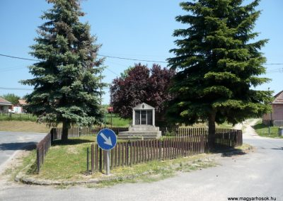 Gétye világháborús emlékmű 2013.05.10. küldő-Sümec (9)
