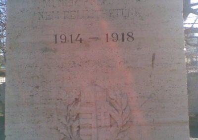 Gödöllő I.vh emlékmű 2009.12.28. küldő-Huszár Peti (2)